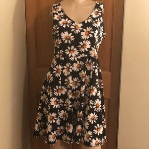 SOPRANO DAISY SUMMER SUNDRESS